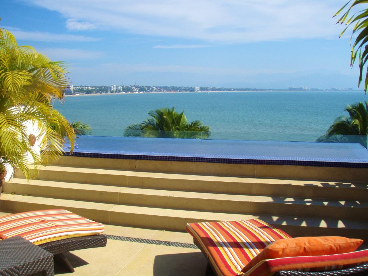 Beach Front Penthouse in Punta Esmeralda