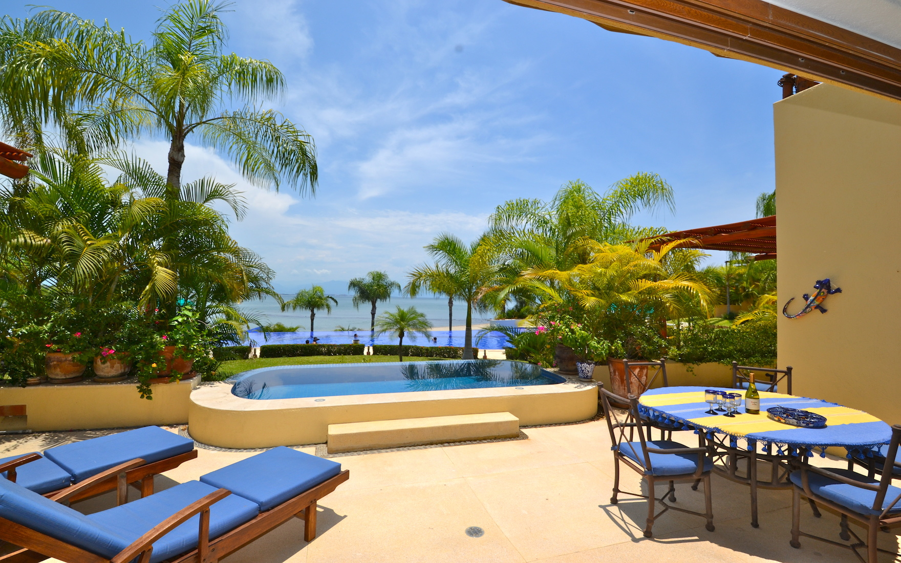 Oceanfront townhouse in Punta Esmeralda
