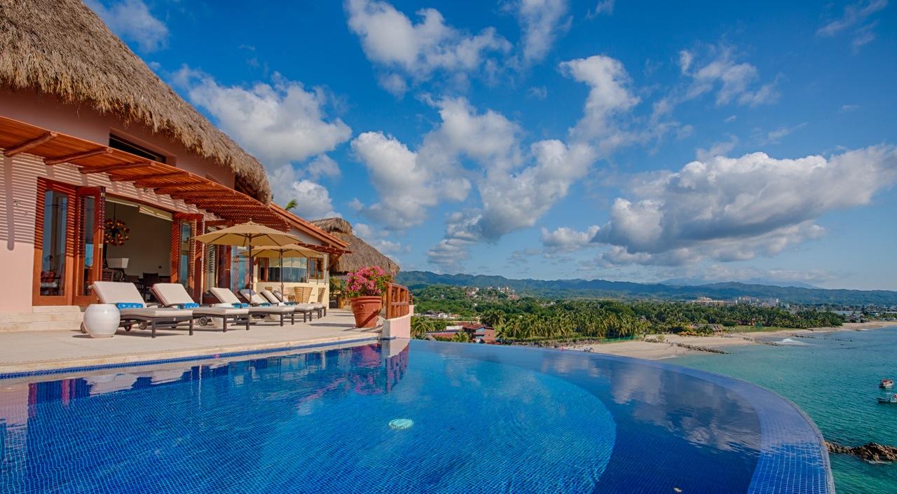 Ocean Front Villa in exclusive Real del Mar