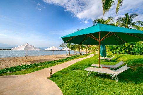 Punta Esmeralda-Jacaranda #203-36