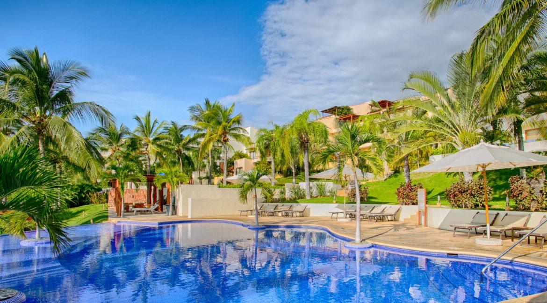 Punta Esmeralda-Jacaranda #203-32