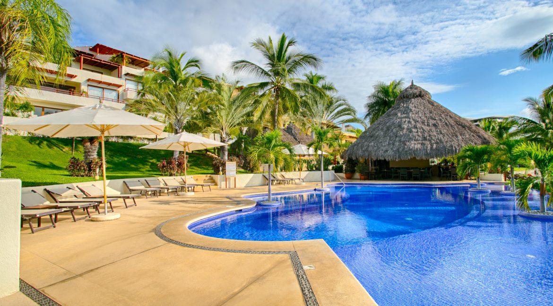 Punta Esmeralda-Jacaranda #203-33